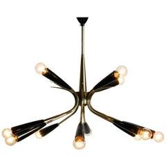 12-armiger Sputnik Kronleuchter aus Messing mit Zapfen aus Bakelit, Mid-Century