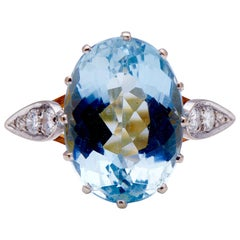 Midcentury, 1950s, 18 Carat Gold, Platinum, Aquamarine and Diamond Ring