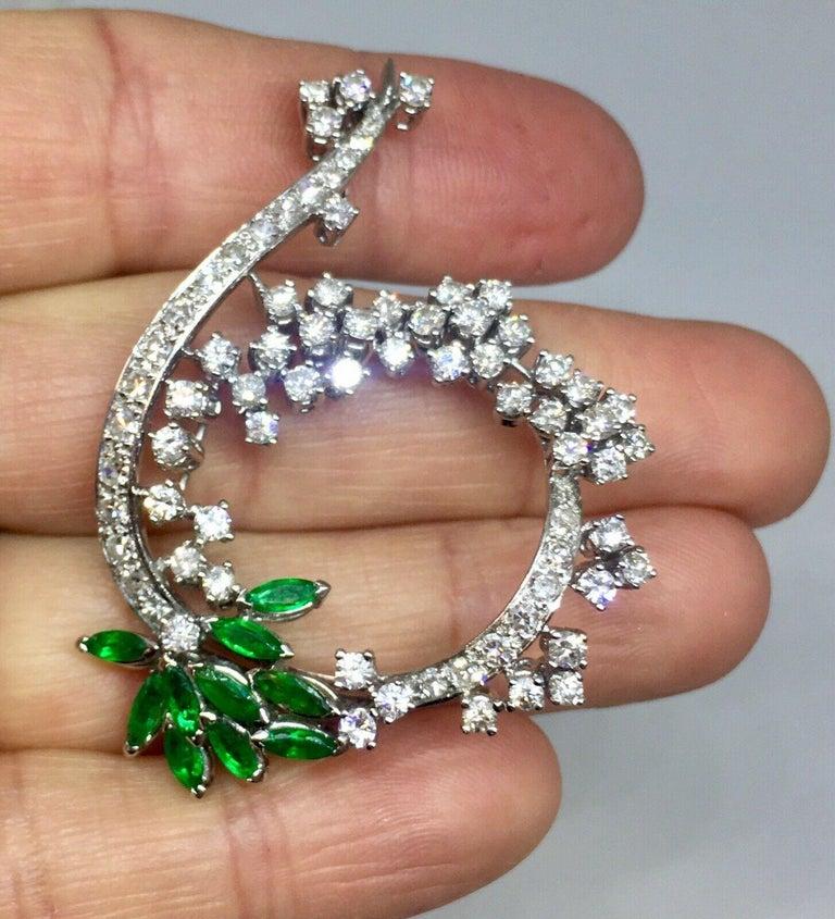 Women's Midcentury 1950s 3.00 Carat G/H VS Diamond Emerald Pin Brooch Pendant For Sale