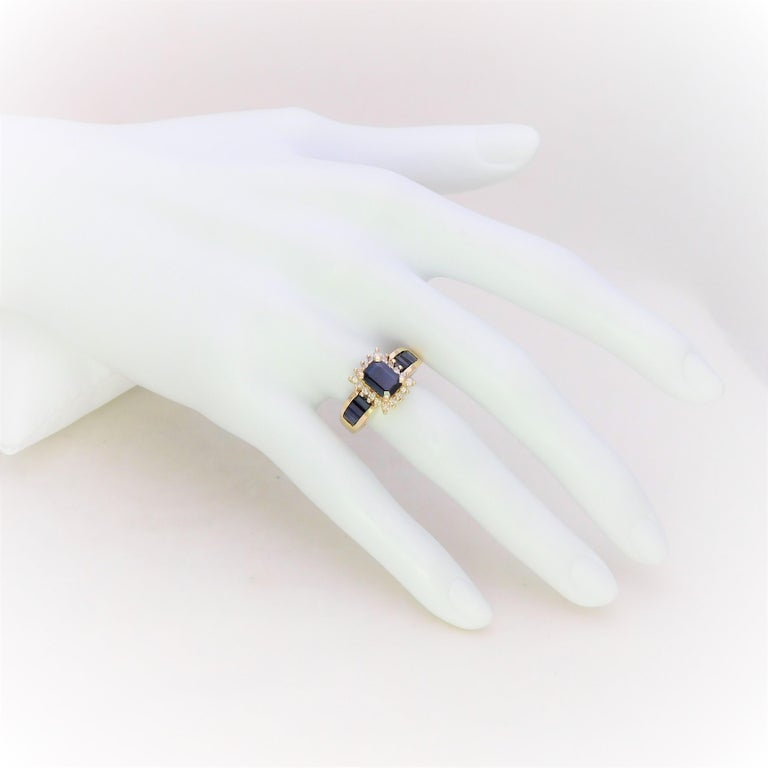 Midcentury 2.25 Carat Blue Sapphire and Diamond Cocktail Ring For Sale 5