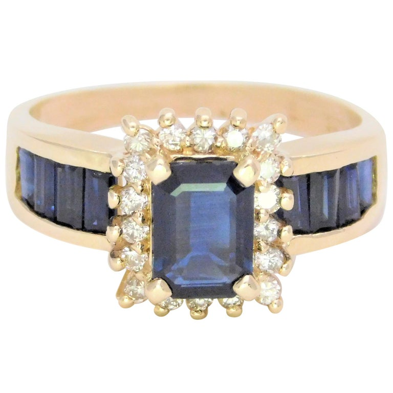 Midcentury 2.25 Carat Blue Sapphire and Diamond Cocktail Ring For Sale