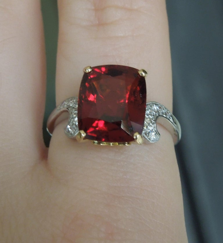 Midcentury 8.80 Carat GIA Garnet Solitaire Ring In Excellent Condition For Sale In METAIRIE, LA