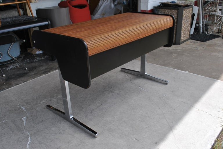 Herman Miller George Nelson action office series drafting desk  1965 design   This vintage roll-top writing desk is from the Herman Miller