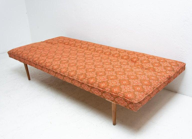Midcentury adjustable sofa-bench by Miroslav Navrátil, 1960s, Czechoslovakia 6