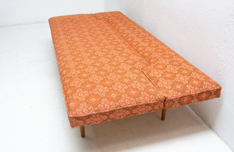 Midcentury adjustable sofa-bench by Miroslav Navrátil, 1960s, Czechoslovakia 7