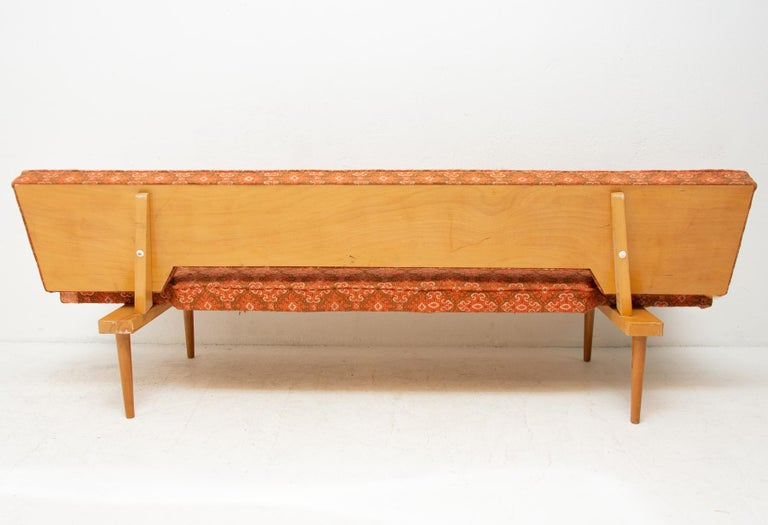 Midcentury adjustable sofa-bench by Miroslav Navrátil, 1960s, Czechoslovakia 9