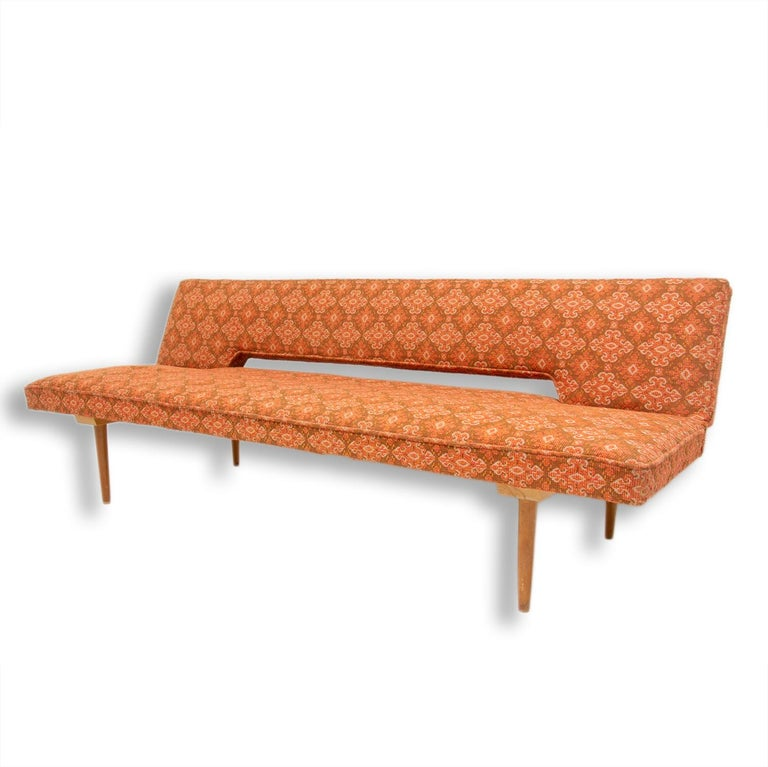 Midcentury adjustable sofa-bench by Miroslav Navrátil, 1960s, Czechoslovakia In Good Condition In Prague 8, CZ