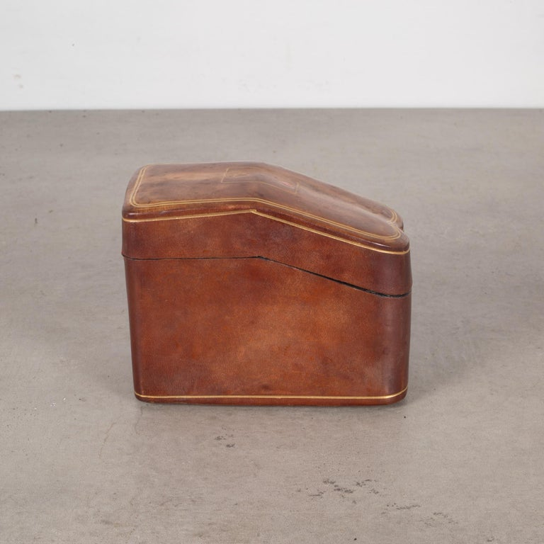 Embossed Midcentury All Leather Calfskin Playing Card Holder Made in Italy, circa 1960s