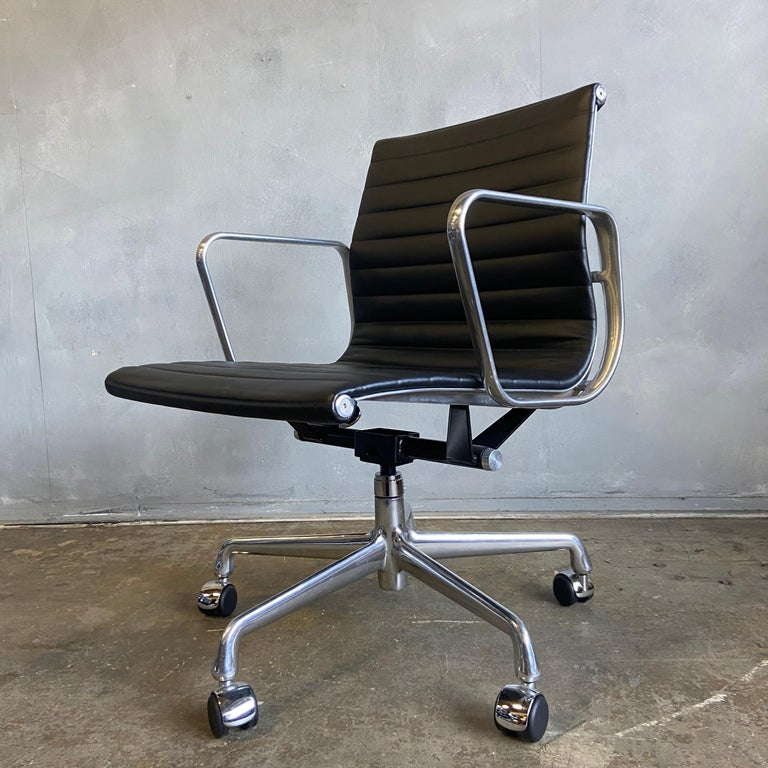 Midcentury Aluminum Group Chairs in Black Leather New Old Stock In Good Condition For Sale In BROOKLYN, NY