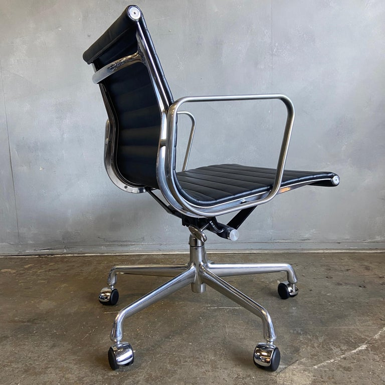 20th Century Midcentury Aluminum Group Chairs in Black Leather New Old Stock For Sale