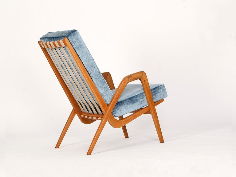 Midcentury Armchair from Krasna Jizba, 1950s In Excellent Condition For Sale In Wien, AT