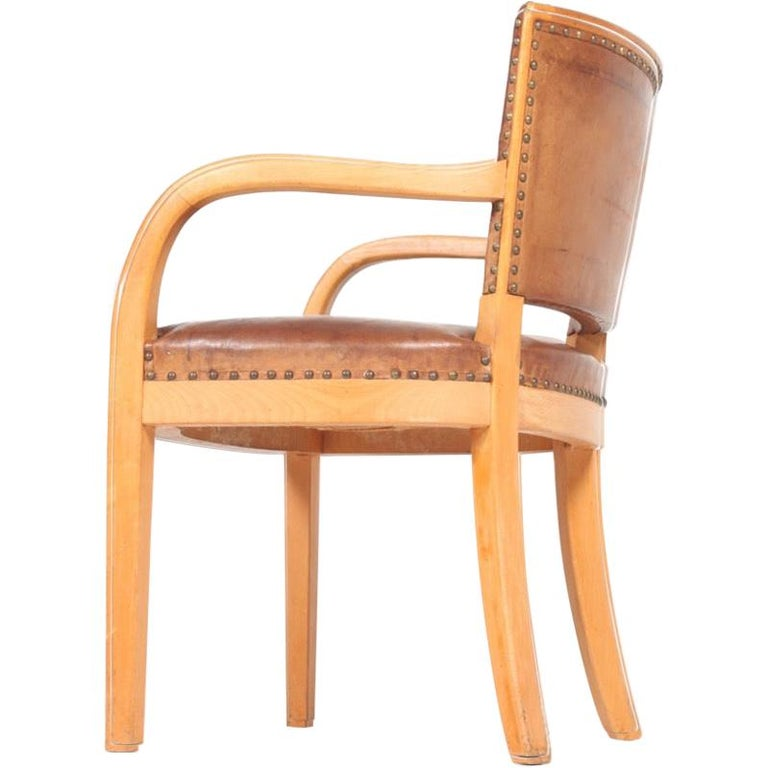 Midcentury Armchair in Patinated Leather by Fritz Hansen, Danish Design, 1940s For Sale