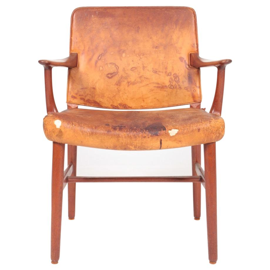 Midcentury Armchair in Teak and Patinated Leather, Danish Cabinetmaker 1950s