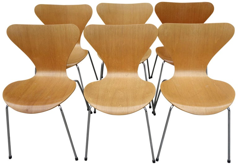 Up to 12 Arne Jacobsen Series 7 Chairs for Fritz Hansen. This iconic design is one of the most successful chairs every produced from this era. Incredibly comfortable as versatile. 