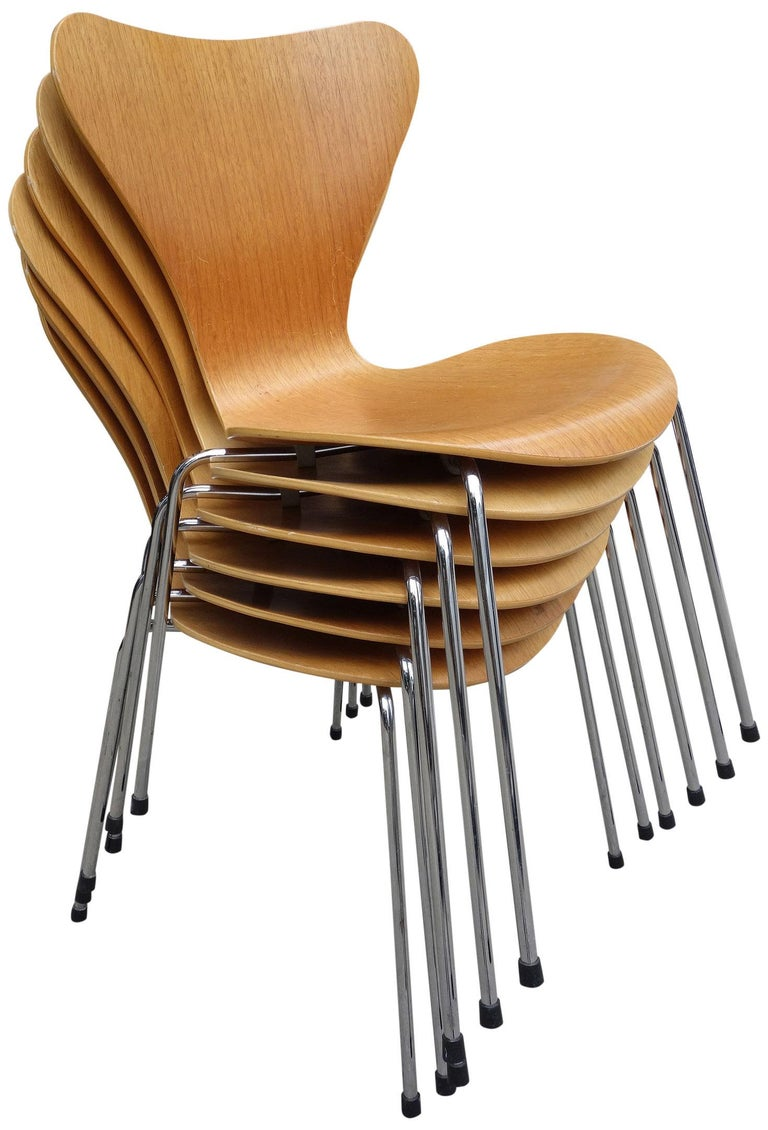 Scandinavian Modern Midcentury Arne Jacobsen Series 7 Chairs For Sale