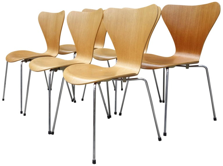 Danish Midcentury Arne Jacobsen Series 7 Chairs For Sale