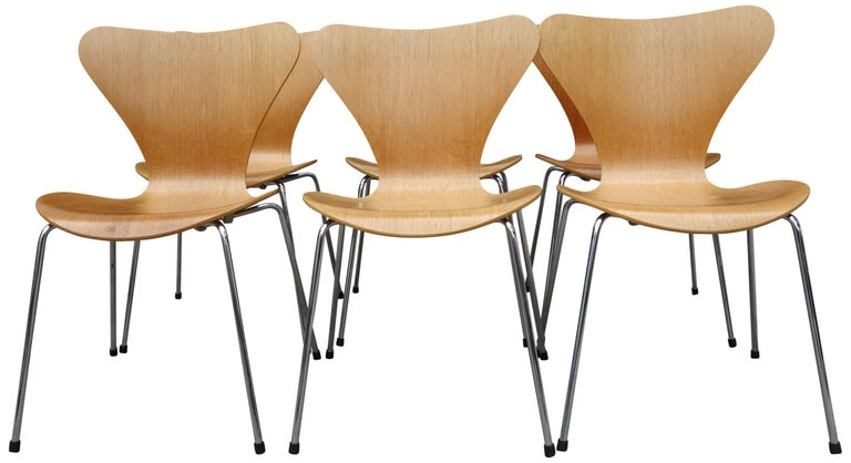 20th Century Midcentury Arne Jacobsen Series 7 Chairs For Sale