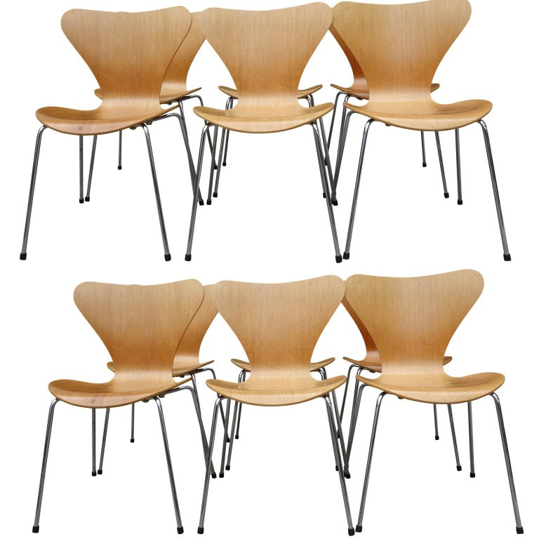 Midcentury Arne Jacobsen Series 7 Chairs For Sale