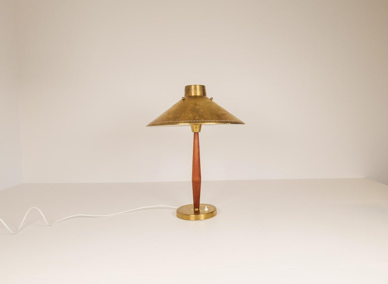 Midcentury ASEA Table Lamp Hans Bergström, Sweden, 1940 In Good Condition For Sale In Langserud, SE