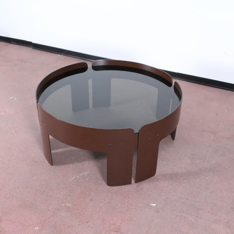 Pleasant Midcentury Attributed To Salocchi Round Brown Plastic Coffee Table Italy 1970S Onthecornerstone Fun Painted Chair Ideas Images Onthecornerstoneorg