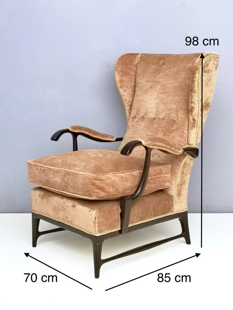 Midcentury Beige Velvet Wingback Armchair by Paolo Buffa for Framar, Italy 1950s For Sale 4