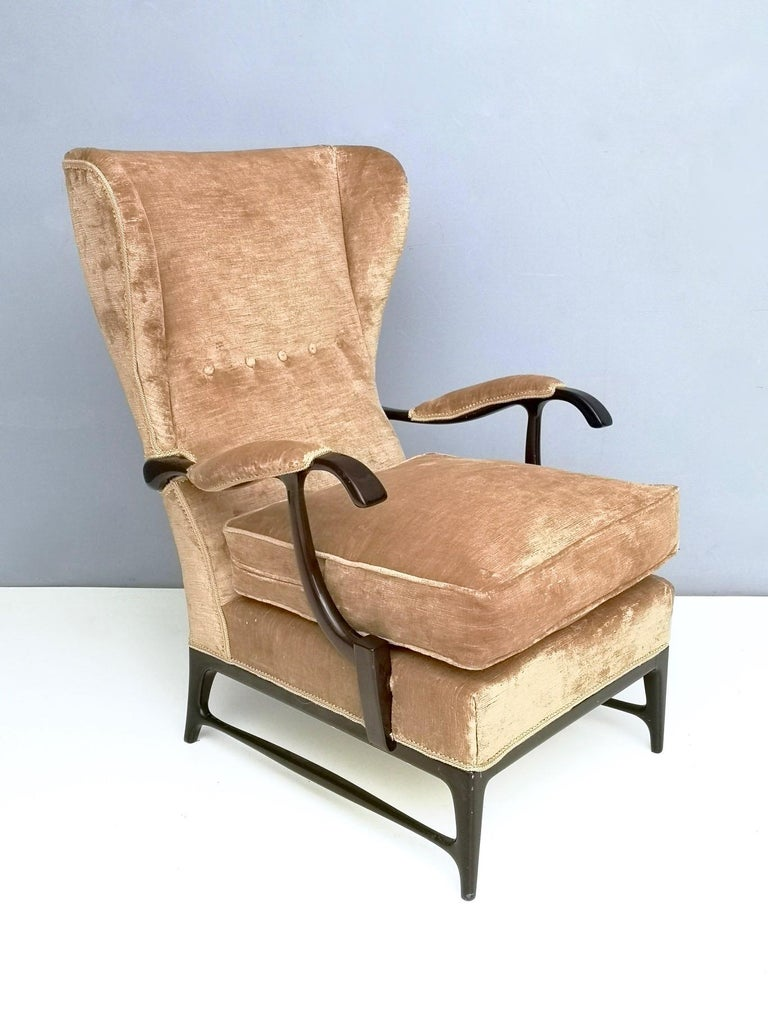 Italian Midcentury Beige Velvet Wingback Armchair by Paolo Buffa for Framar, Italy 1950s For Sale