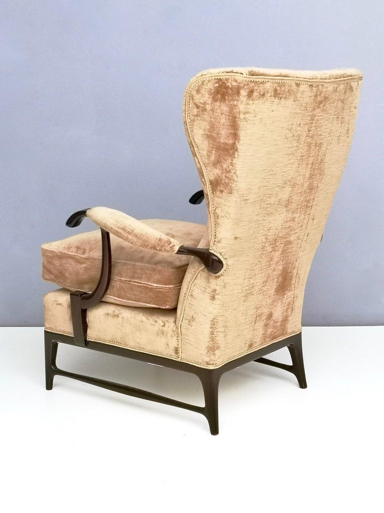 Mid-20th Century Midcentury Beige Velvet Wingback Armchair by Paolo Buffa for Framar, Italy 1950s For Sale