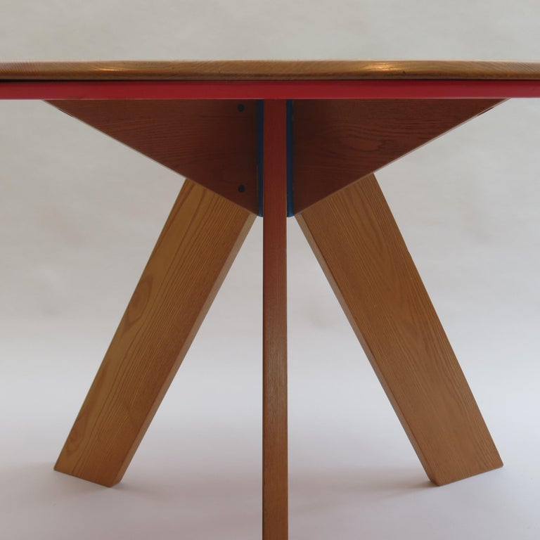 Midcentury Bespoke Circular Ash Dining Table by David Field 1980s with Red Blue 3