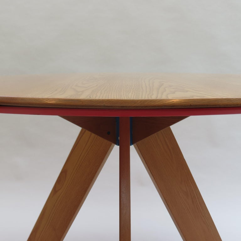 Midcentury Bespoke Circular Ash Dining Table by David Field 1980s with Red Blue 4
