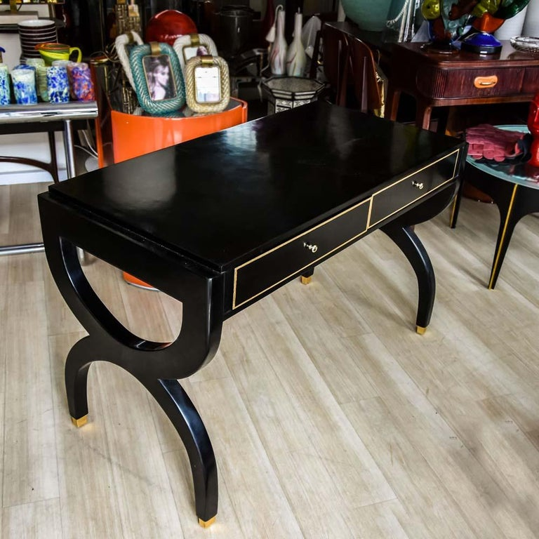 Midcentury Black Lacquered Wooden Desk Italian Design Attributed to Paolo Buffa For Sale 3