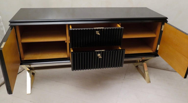 Midcentury Black Shellac and Brass Italian Sideboard, 1950 For Sale 9