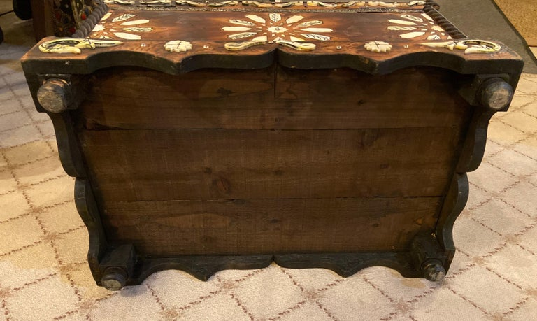 Moroccan Midcentury Bone Inlaid Chest Box or Jewelry Casket For Sale