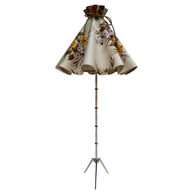 Midcentury Brass Floor Lamp, Flower Shade, Italy For Sale