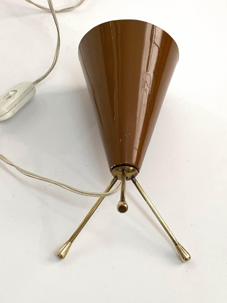 Midcentury Brown and Brass Lacquered Metal Conical Tripod Table Lamp Italy 1950s For Sale 4