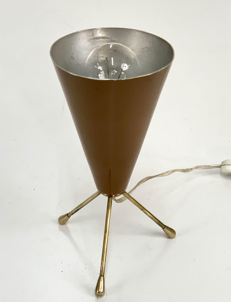 Italian Midcentury Brown and Brass Lacquered Metal Conical Tripod Table Lamp Italy 1950s For Sale