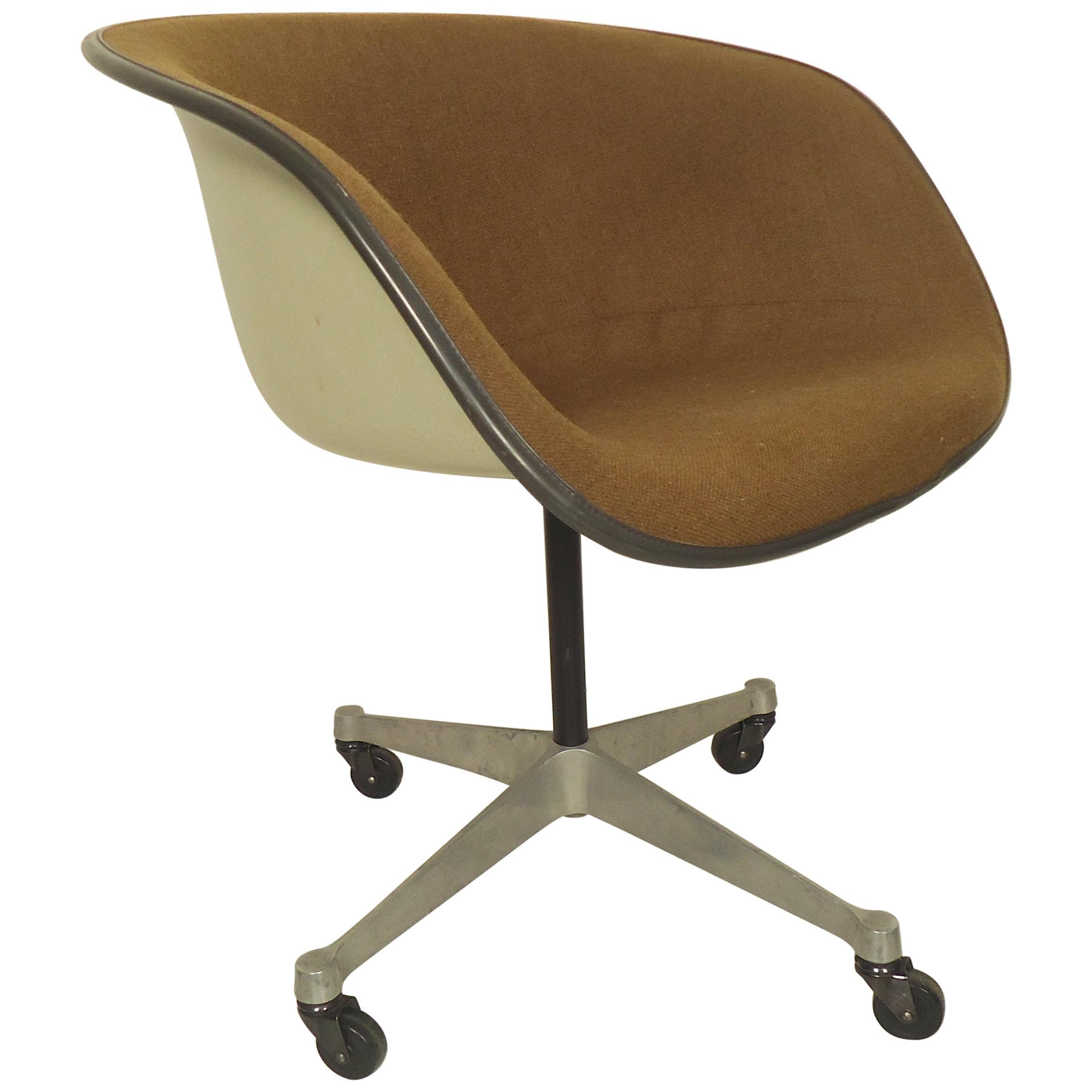 Midcentury Bucket Chair By Herman Miller