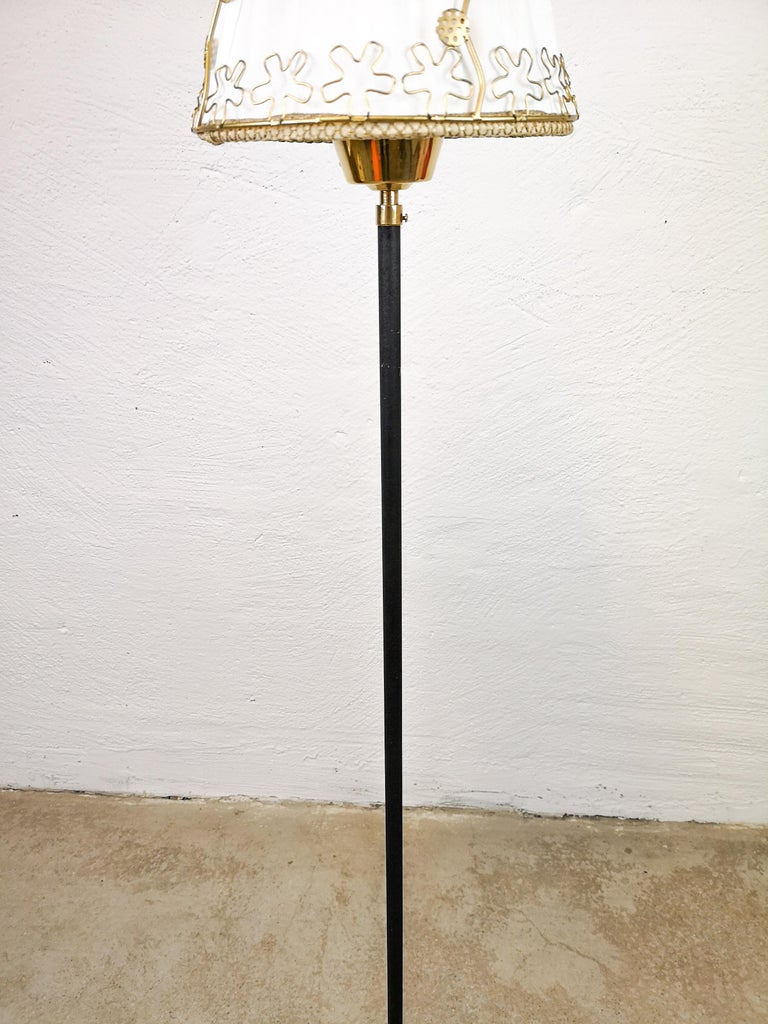 Midcentury Cast Iron and Brass Floor Lamp Ewå, Sweden, 1960s In Good Condition For Sale In Langserud, SE