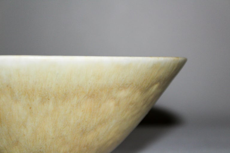 Midcentury Ceramic Bowl by Carl-Harry Stålhane for Rörstrand In Excellent Condition For Sale In Malmo, SE