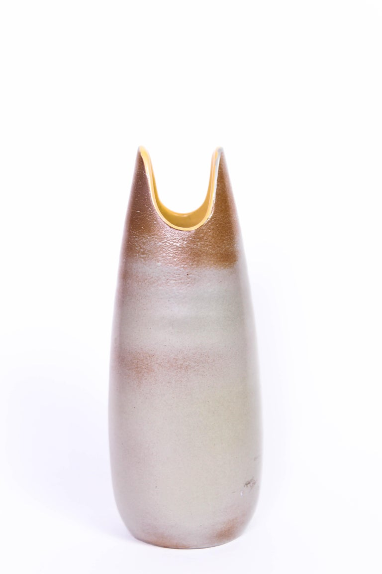 Scandinavian Modern Midcentury Ceramic Vase by Mari Simmulson for Upsala-Ekeby For Sale
