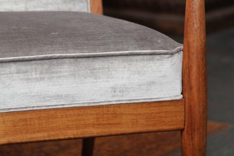 Midcentury Chair in Velvet For Sale 1