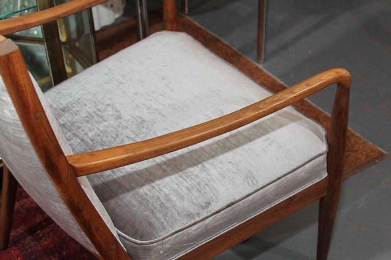 Midcentury Chair in Velvet For Sale 5