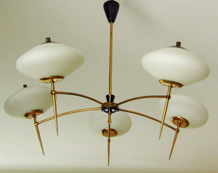 Midcentury chandelier Stilnovo, Italy 1950s. 5 glass shades, brass mount. Good vintage condition.  Free shipping anywhere in the world for this item!