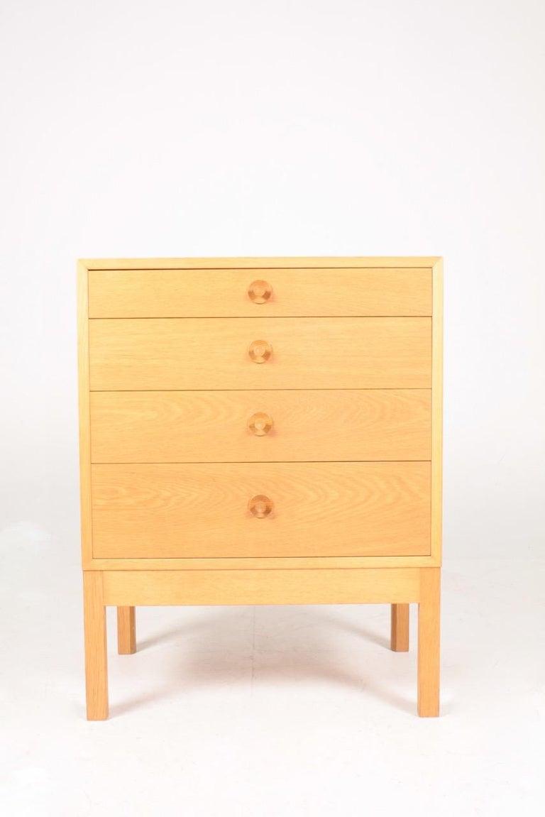 Scandinavian Modern Midcentury Chest of Drawers in Oak Designed by Børge Mogensen, 1960s For Sale