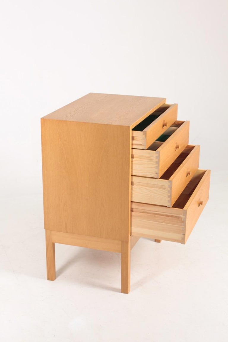 Midcentury Chest of Drawers in Oak Designed by Børge Mogensen, 1960s For Sale 2