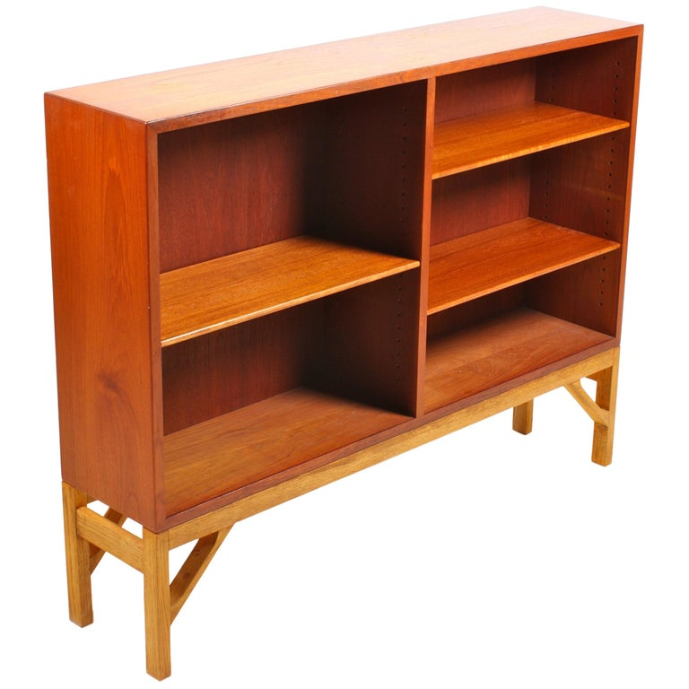 "Midcentury ""China"" Bookcase in Teak and Oak by Børge Mogensen, 1960s For Sale"