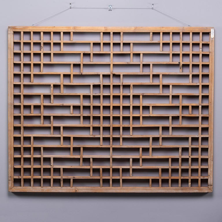 Midcentury Chinese Carved Rustic Wooden Window Screen In Good Condition For Sale In Troy, MI