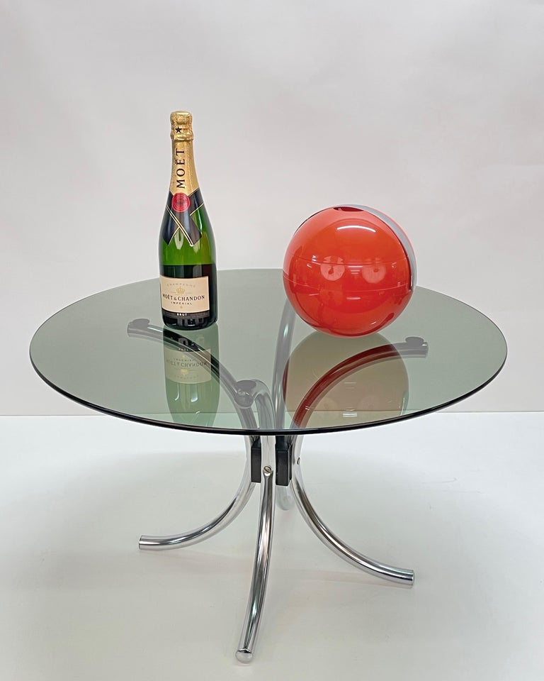 Midcentury Chromed Steel Italian Coffee Table with Smoked Glass Round Top, 1960s For Sale 8
