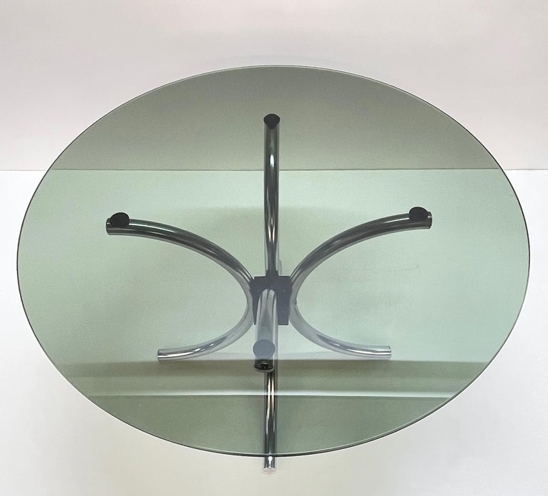 Midcentury Chromed Steel Italian Coffee Table with Smoked Glass Round Top, 1960s For Sale 1