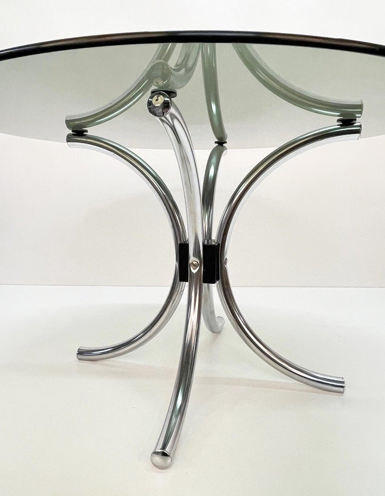 Midcentury Chromed Steel Italian Coffee Table with Smoked Glass Round Top, 1960s For Sale 3