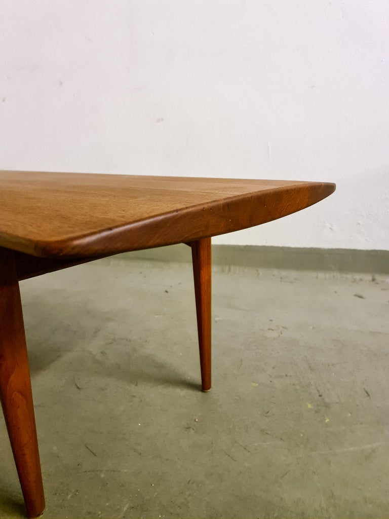 Midcentury Coffee Table by Kindt-Larsen for France and Daverkosen Denmark, 1960s For Sale 3